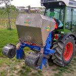 Vinohradnická technika na organické hnojení vinice